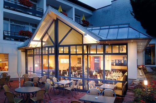 Ein Restaurant oder anderes Speiselokal in der Unterkunft Ringhotel Posthotel Usseln