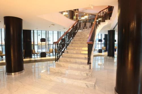 The lobby or reception area at Yrigoyen 111 Hotel