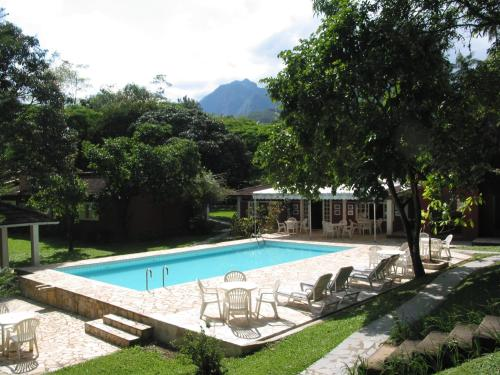 The swimming pool at or near Pequena Suécia