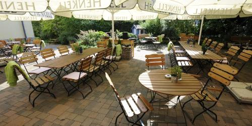 A restaurant or other place to eat at Hotel Ambiente