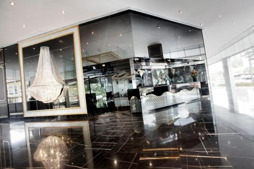 A restaurant or other place to eat at Dorsett Singapore (SG Clean)