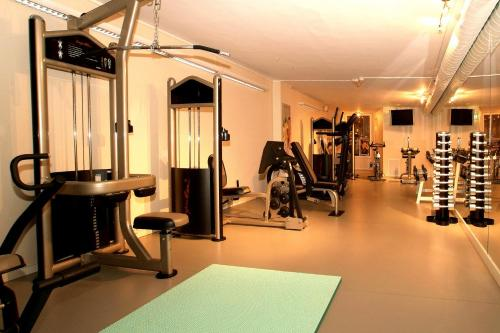 The fitness centre and/or fitness facilities at Quality Hotel Strand Gjøvik