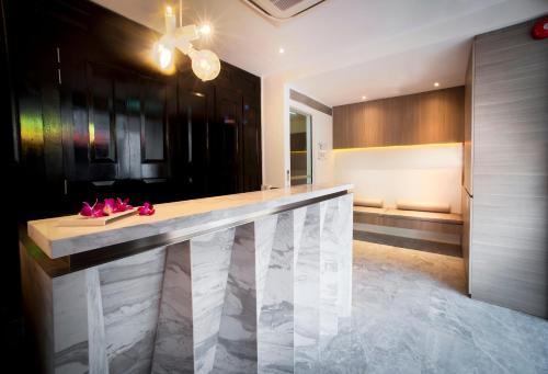 Lobby/Rezeption in der Unterkunft Hotel NuVe (SG Clean, Staycation Approved)