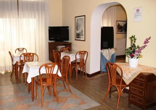 A restaurant or other place to eat at Hotel Vecchia Milano