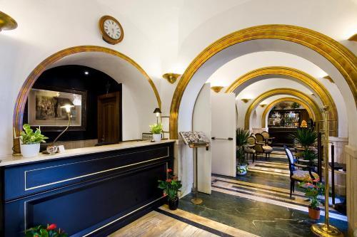 The lobby or reception area at Hotel Villa San Lorenzo Maria