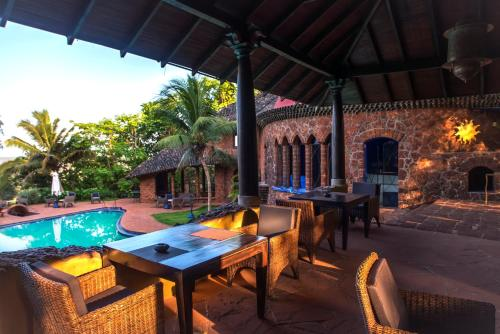 A restaurant or other place to eat at Nilaya Hermitage