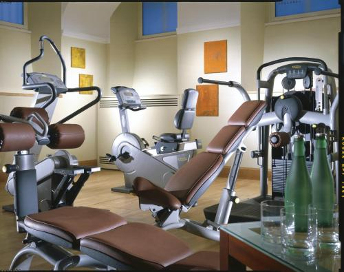 The fitness center and/or fitness facilities at Hotel Capo d´África – Colosseo