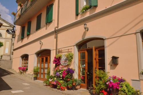 Hotel La Piazzetta Vidiciatico, Italy