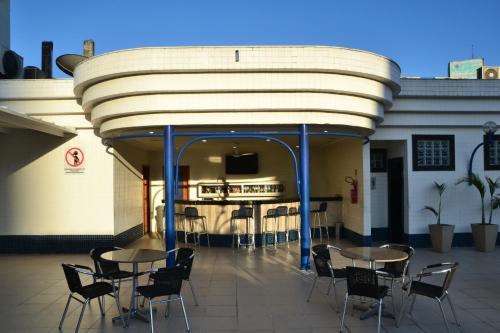 Um restaurante ou outro lugar para comer em Hotel Sagres