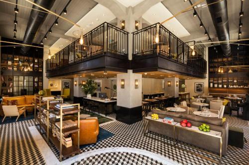 Een restaurant of ander eetgelegenheid bij Market House - An Atlas Boutique Hotel