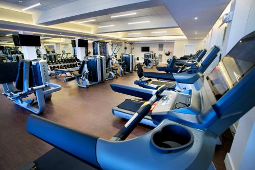 The fitness center and/or fitness facilities at New York Marriott Downtown