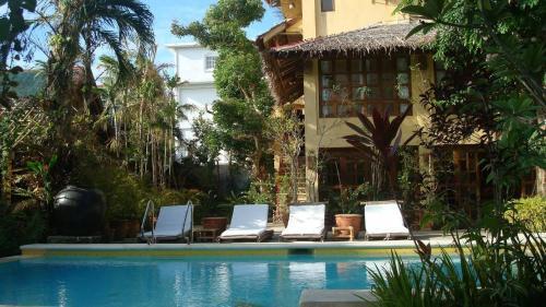 The swimming pool at or close to Sun Villa Hilltop Resort & Spa