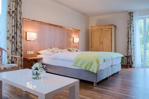 Ein Bett oder Betten in einem Zimmer der Unterkunft Hotel Spreeblick