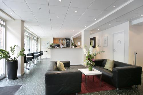 The lobby or reception area at Hotel Copenhagen