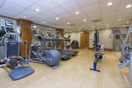 The fitness center and/or fitness facilities at Hilton London Canary Wharf