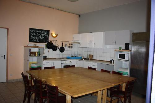 Küche/Küchenzeile in der Unterkunft Schlafmeile Hostel