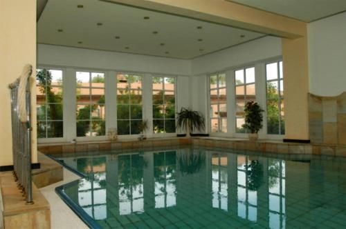 The swimming pool at or near Flair Seehotel Zielow