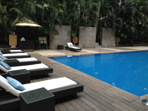 The swimming pool at or close to Blue Diamond Pune IHCL SeleQtions