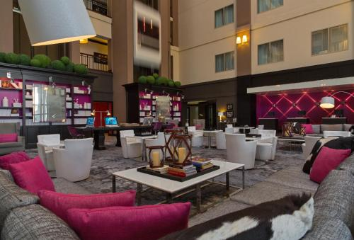 A restaurant or other place to eat at Le Meridien Dallas by the Galleria