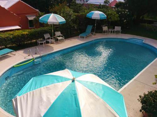 A view of the pool at Robins Nest Guest Apartments or nearby