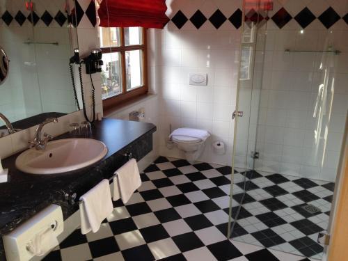 Ein Badezimmer in der Unterkunft Gasthof Safenhof
