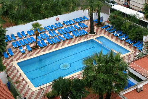 Uitzicht op het zwembad bij Rosa Naútica of in de buurt