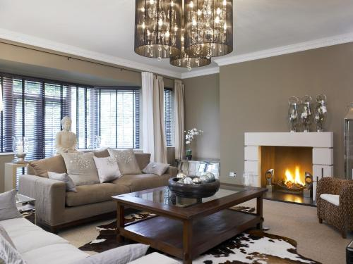 A seating area at Windfalls Boutique Hotel