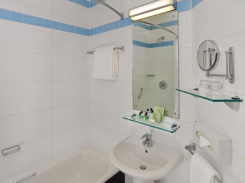 A bathroom at Jurys Inn Leeds