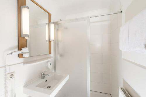 A bathroom at Good Morning Erfurt