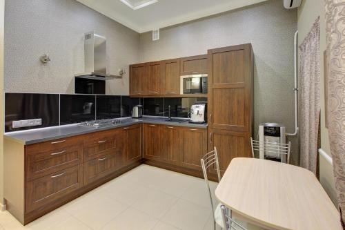 Кухня или мини-кухня в Artefact