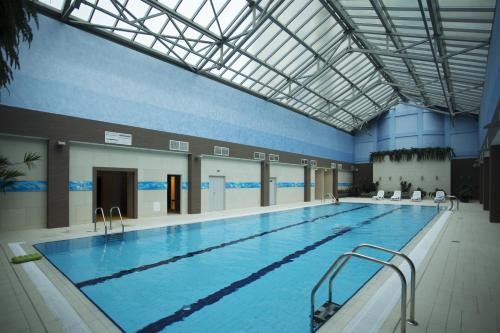 The swimming pool at or close to Victoria & SPA Minsk