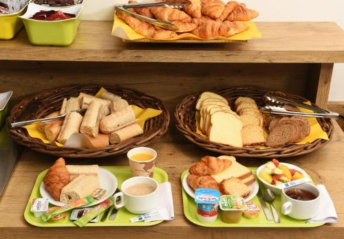 Breakfast options available to guests at ibis budget Nice Aeroport