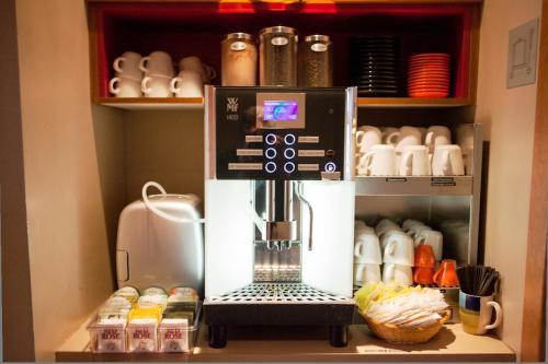 Coffee and tea-making facilities at Hotel Champlain