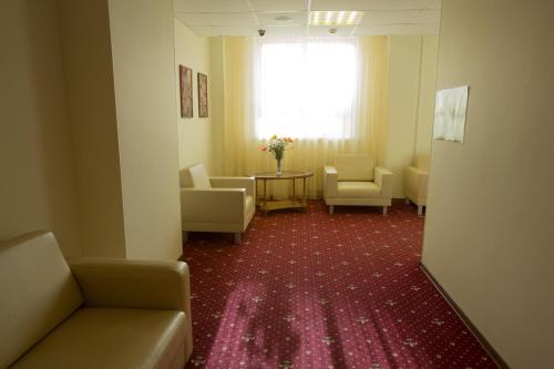 Гостиная зона в Отель Лотос