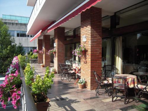 Restaurant ou autre lieu de restauration dans l'établissement Hotel Alcazar Irun - Centro Ciudad