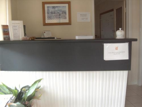 The lobby or reception area at Travellers Rest Motel