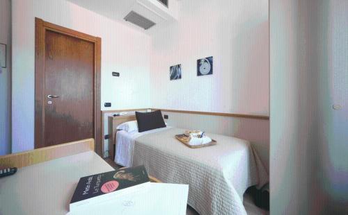 A room at Hotel Florida Lerici
