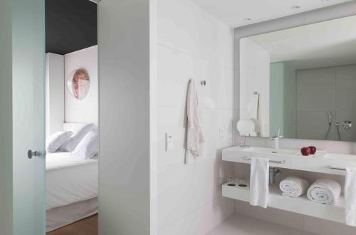 Ένα μπάνιο στο Barceló Sants