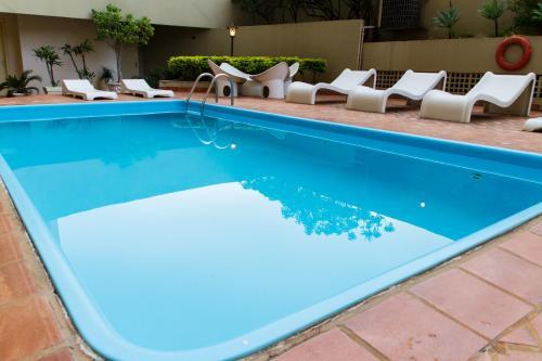 A piscina localizada em Harbor Self Buriti Hotel ou nos arredores