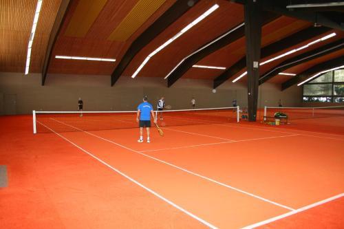 Tennis und/oder Squash in der Unterkunft Landhotel Sonnenbühl oder in der Nähe