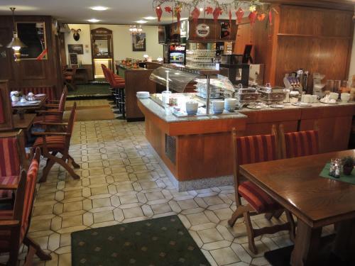A restaurant or other place to eat at Hotel Fürstenhof