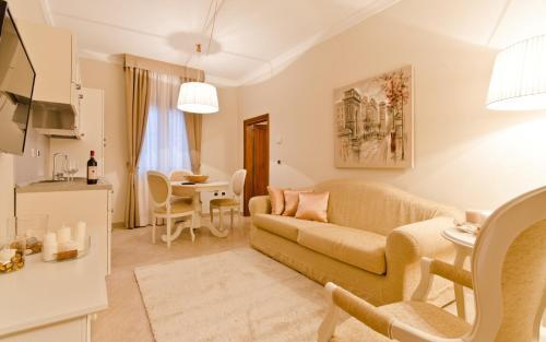 A seating area at Residenza Marchesi Pontenani