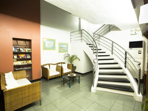 The lobby or reception area at Harbor Town Hotel