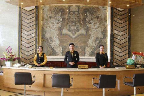 Membres du personnel de l'établissement West Hotel