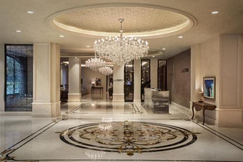 The lobby or reception area at Lazzoni Hotel