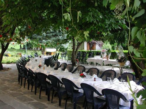 Restaurant ou autre lieu de restauration dans l'établissement Hotel La Petite Auberge