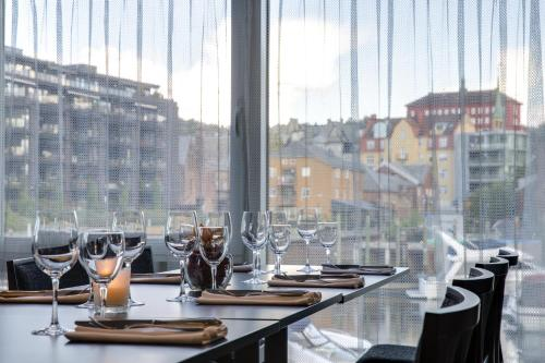 A restaurant or other place to eat at Radisson Blu Royal Garden Hotel, Trondheim
