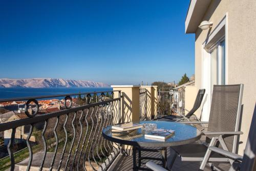 A balcony or terrace at Apartments Laura