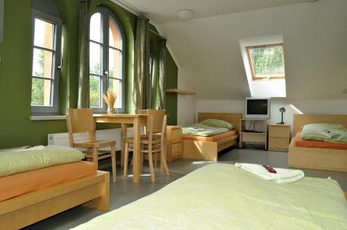 Posezení v ubytování Hostel Lípa - Továrna