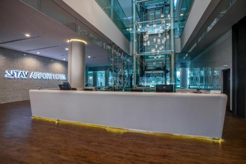 The lobby or reception area at TAV Airport Hotel Izmir